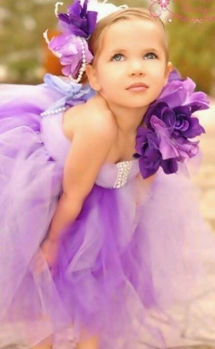 Vestido colorido para daminha