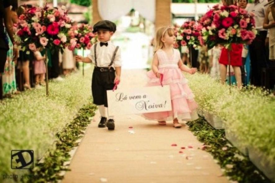 Placa lá vem a noiva