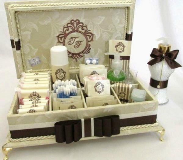 caixa kit toallete