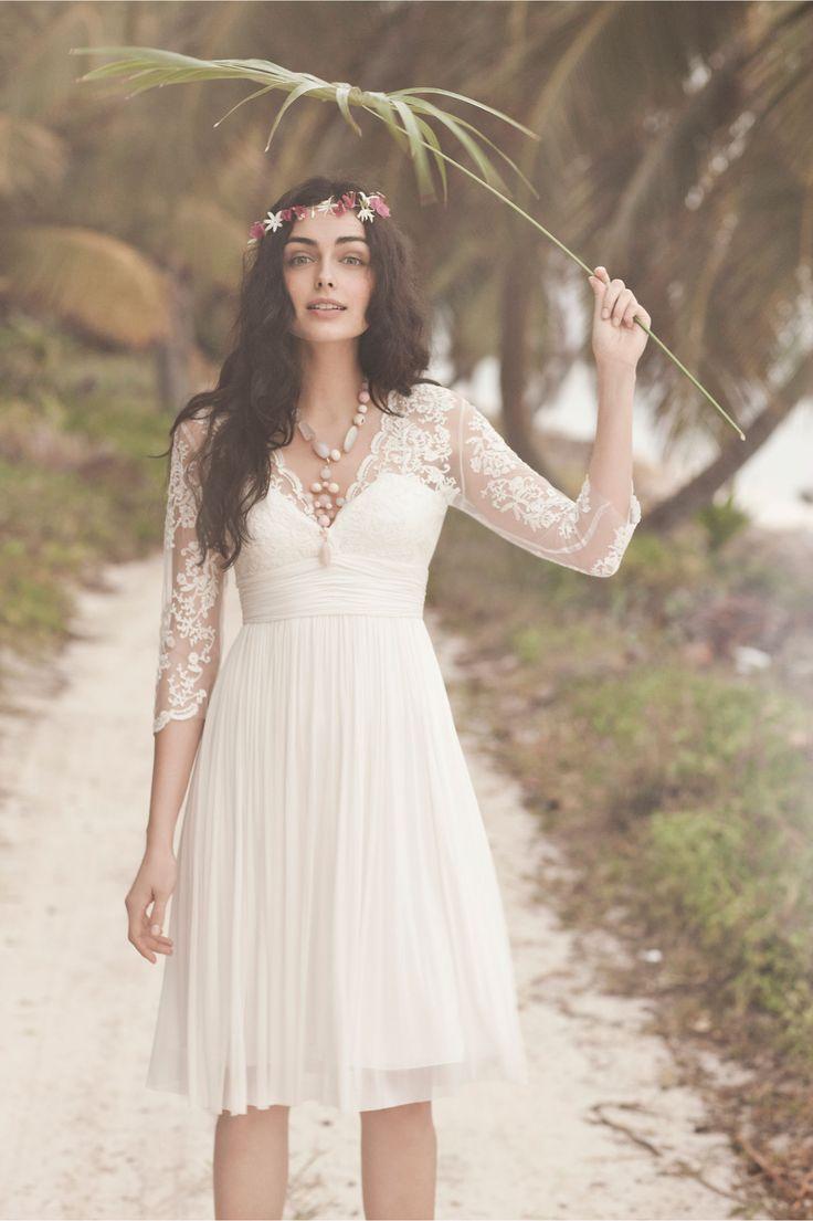 10 vestidos ideais para casamentos na praia as lembrancinhas de casamento. Black Bedroom Furniture Sets. Home Design Ideas