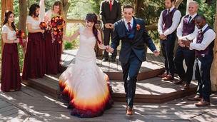 vestido de noiva estilo dip dye barra colorida