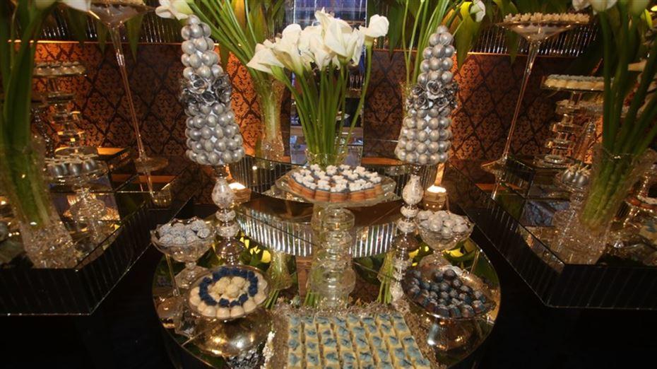 Mesa de doces casamento Péricles e Lidiane