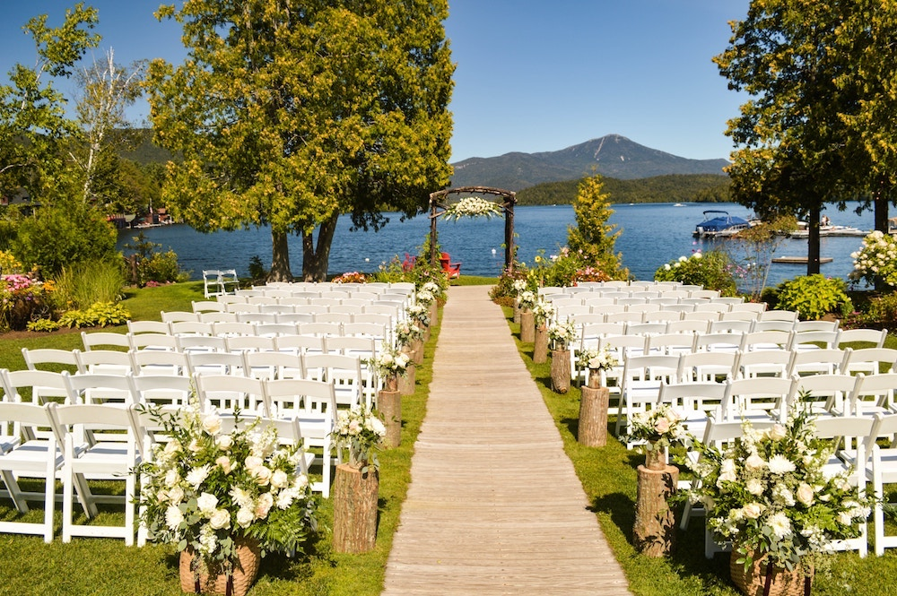 Cenário casamento em hostel